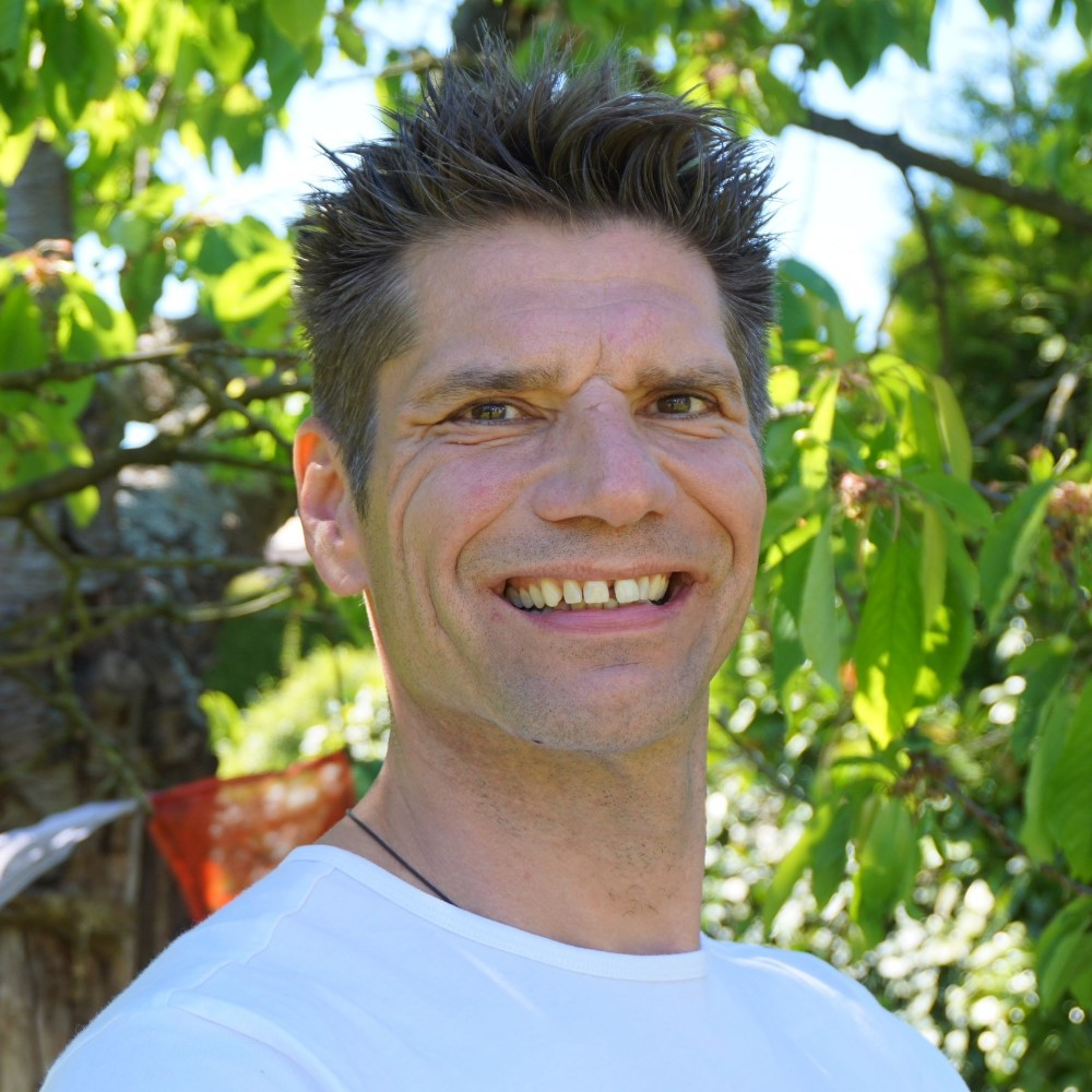 Yoga Kurs für Einsteiger mit Björn-Michael Gbur